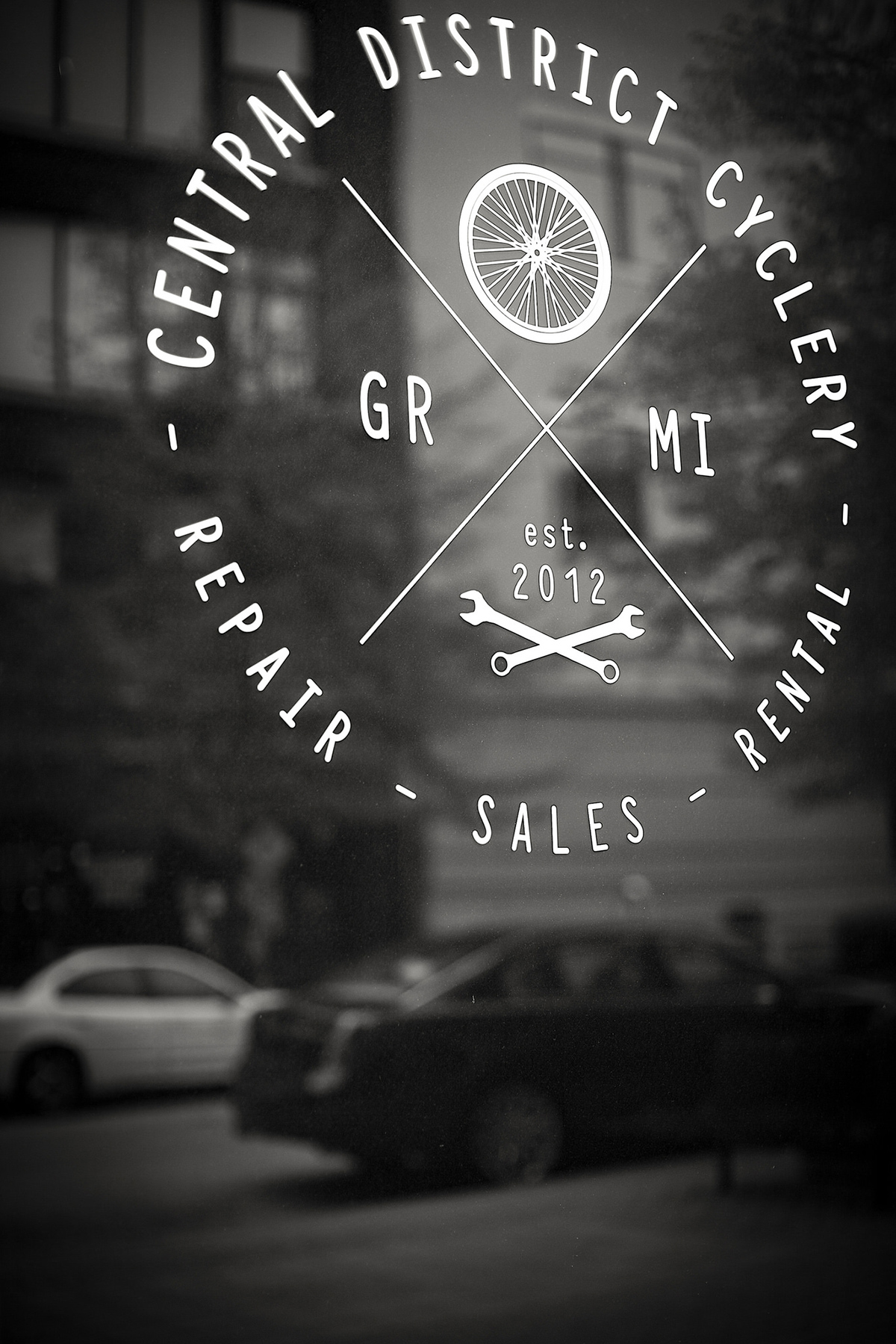 Hipster logo cycle repair