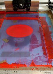 sérigraphie Plays Paris par Zig imprimée dans l'atelier Dezzig